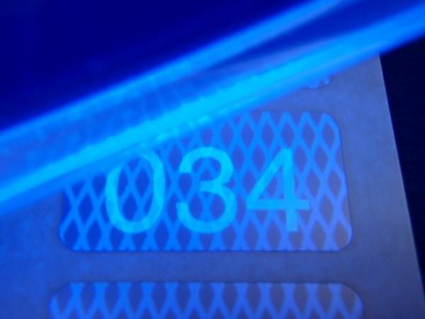 Nummerierte Etiketten: Rautenmusterfolie, silber-matt mit Lumineszenzdruck