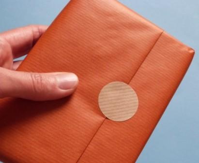 Verschluss-Punkte aus Packpapier